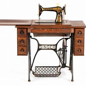 1918 Singer Treadle Sewing Machine Table