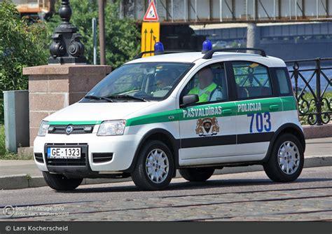 Einsatzfahrzeug: Rīga - Pašvaldības Policija - FuStW - 703 ...