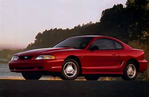 1994 Ford Mustang Photos, Informations, Articles - BestCarMag.com
