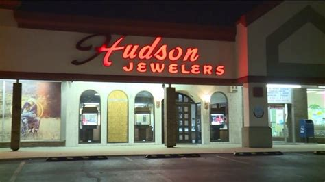 thieves smash and grab family owned jewelers in granite