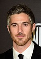 Dave Annable Photos Photos - 2016 InStyle and Warner Bros ...