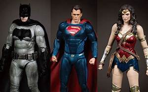 Wonder Woman Life Size Figure by NECA | ActionFiguresDaily.com