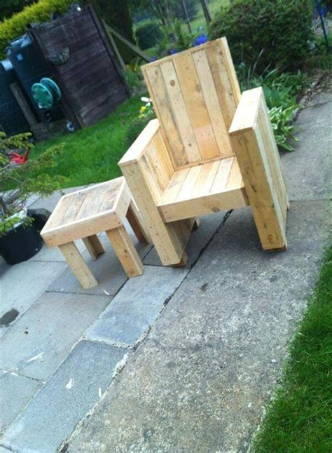 diy pallet chair side table sofa 99 pallets