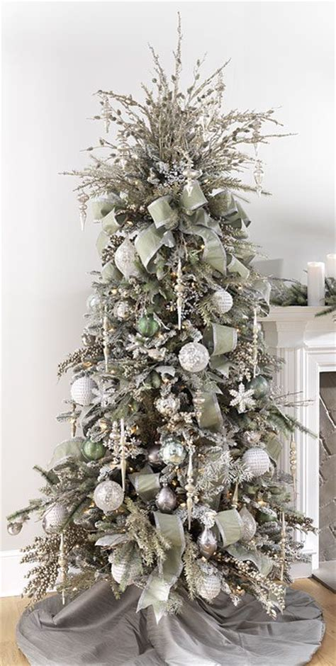 silver and gold christmas tree theme best 25 silver christmas tree ideas on pinterest white christmas decorations living room