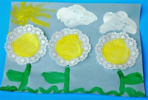 flower craft what can we do with paper and glue 536 | DoilyFlowers10