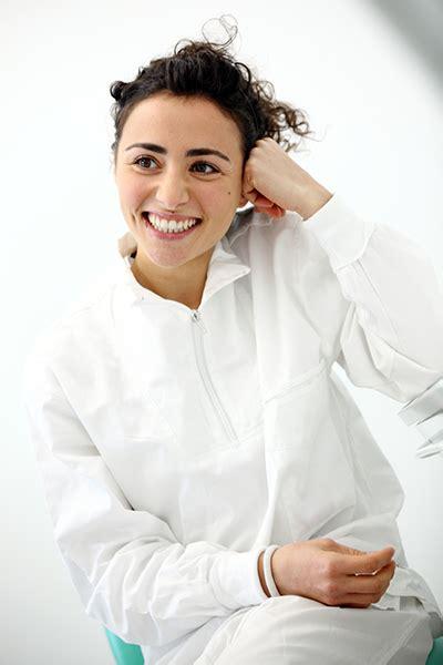 assistente alla poltrona assistenti studio odontoiatrico a crea