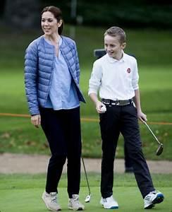 Remise A Zero Golf 6 : royals style remise d 39 un prix dans un golf de club junior asserbo ~ Medecine-chirurgie-esthetiques.com Avis de Voitures