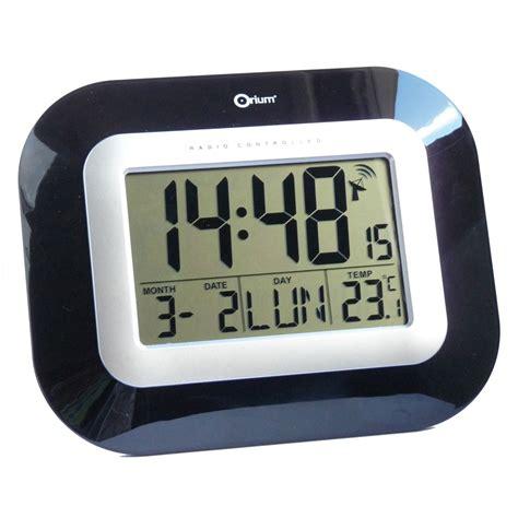 horloge sur bureau orium horloge digitale radio contrôlée laquée