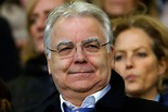 Could Everton Sale Be Close As Bill Kenwright Thanks ...