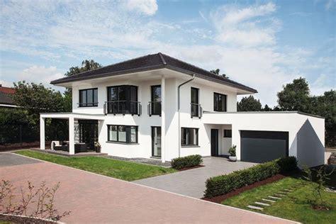 Musterhaus Stadtvilla Mit Garage Emphitcom