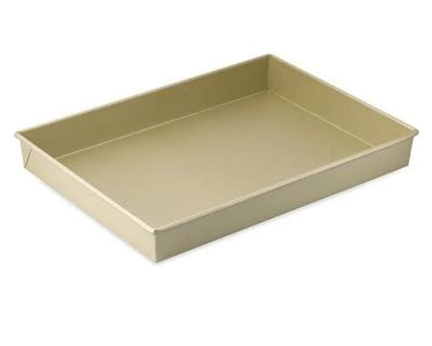 kitchen collection com williams sonoma goldtouch nonstick rectangular cake pan