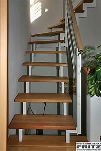 Treppe Hauseingang Bilder : hund steigt keine treppen angst treppe ~ Markanthonyermac.com Haus und Dekorationen