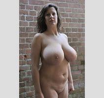 Busty Outdoor Milf Porno Pics