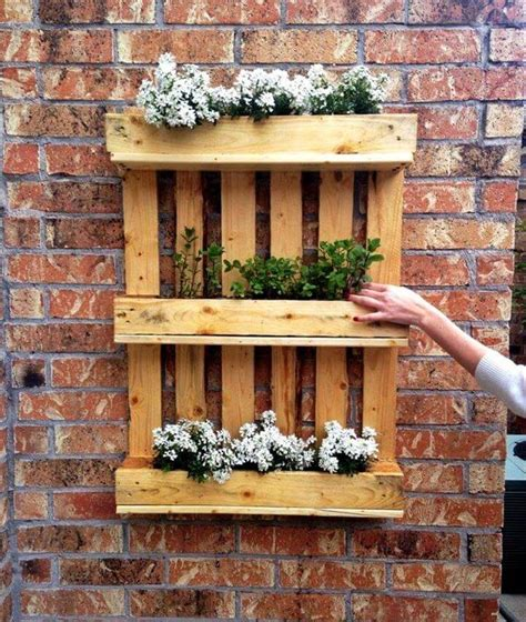 hanging wall garden 25 renowned pallet projects ideas pallet furniture diy