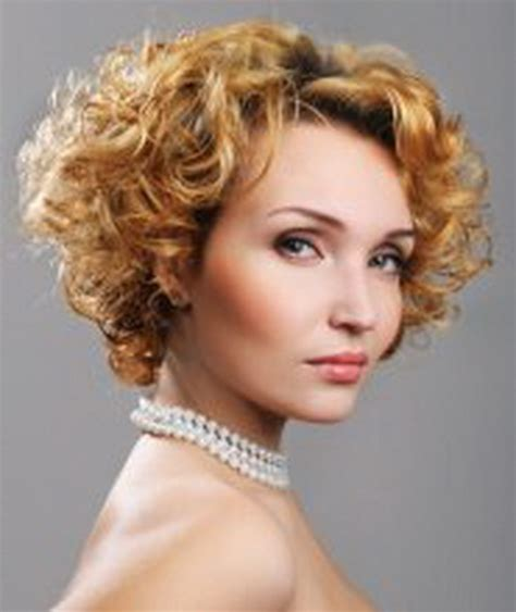 short hairstyles for women over 50 for 2014