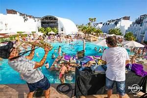 Party Hotel Ibiza : pool party at hard rock hotel ibiza ibiza spotlight ~ A.2002-acura-tl-radio.info Haus und Dekorationen