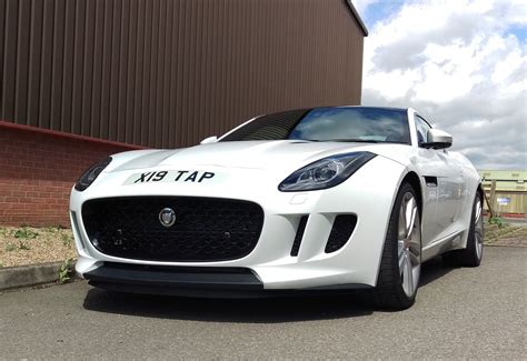 One Piece Jaguar F-type Font Grille