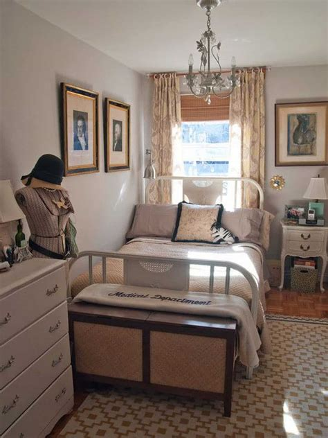 Small Bedroom Layout by Cozy Small Bedroom Tips 12 Ideas To Bring Comforts Into