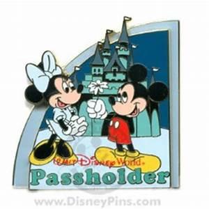 Disney Passholder Puzzle Pin 2008 Magic Kingdom Mickey