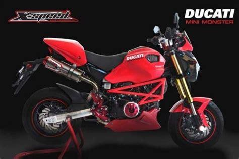 Honda Grom + Ducati Monster = Gromcati
