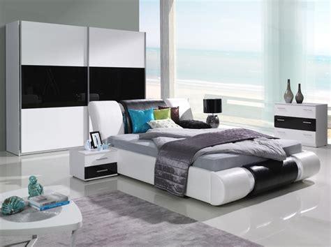 Weißes Schlafzimmer Komplett by Komplett Schlafzimmer Kansas Hochglanz Schwarz Weiss