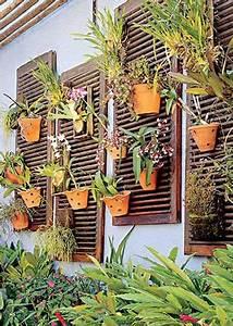 volets recup en bois pour faire un mur vegetal exterieur With peinture mur exterieur couleur 11 fabriquer un composteur en palette ou bois de recup
