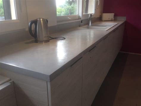 plan travail cuisine beton cire fabriquer meuble salle de bain avec plan de travail