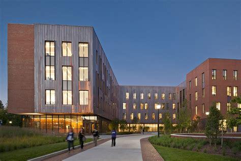 Oak Hall, Connecticut University Building Earchitect
