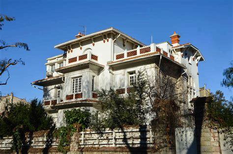 maison d arrt perpignan maisons et immeubles d 233 co dans le quartier de la gare 224 perpignan