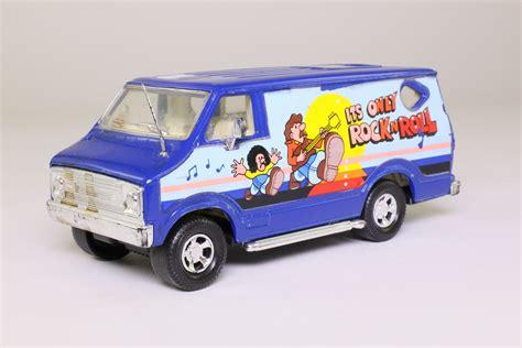 Matchbox Superkings; Dodge Custom Van; It's Only Rock 'n