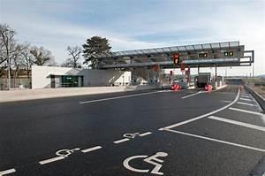 Comment Payer Moins Cher L Autoroute : une cycliste se retrouve sur l 39 autoroute et veut payer le p age ~ Maxctalentgroup.com Avis de Voitures