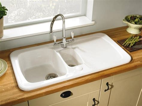 porcelain kitchen sinks the pros cons of ceramic sinks 1590