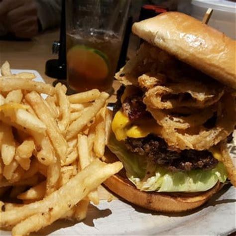 kitchen sink burger bricktown brewery 133 photos 105 reviews breweries 2598