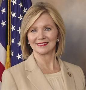 Representative Marsha Blackburn Tours SEMA Member RTM ...