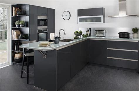cuisine estrade cuisine ouverte 5 idées pour délimiter l 39 espace darty