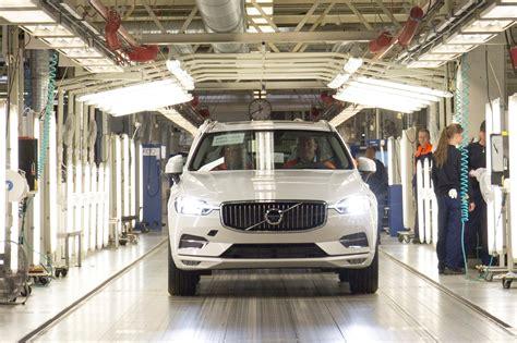 volvo xc production  opens  plug  hybrid