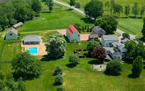 Beautiful Dutchess Country Home Comes With 17-acre Farm