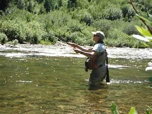 Women-fish-002 | Kestrel Land Trust