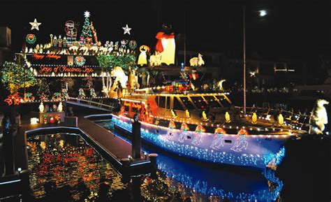 Newport Beach Boat Parade Dinner by 30 Most Romantic Small Towns For The Holidays Top Value