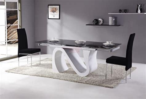 table salle  manger moderne table en verre design salle