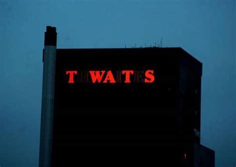 hilarious neon sign fails  page