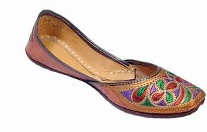 Ridhi Sidhi Ethnic Embroidered Womens Punjabi Leather
