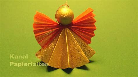 weihnachtsengel basteln ein engel aus papier falten