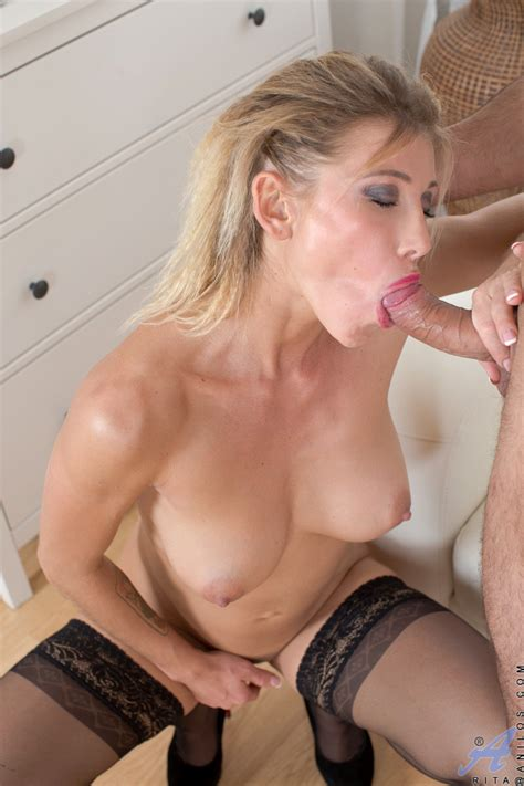 Stocking Clad Cougar In High Heels Taking Hardcore Fucking Of Milf Pussy