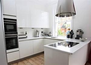 Small U-Shaped kitchen with Peninsula - Modern - Kitchen
