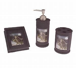 hautman brothers howling wolf 3 piece bath accessories With wolf bathroom accessories