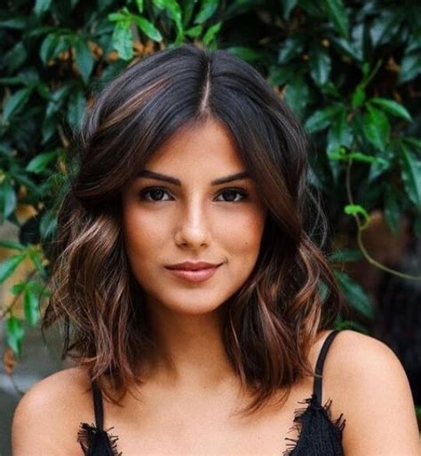 25 Best Medium Length Hairstyles with Layers for 2019