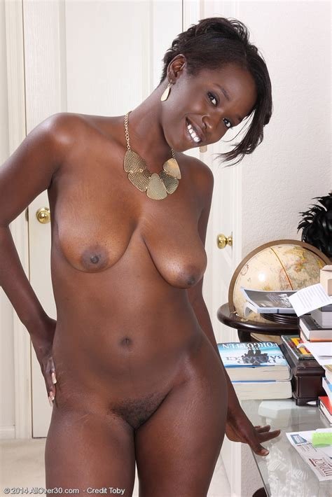 Ebony MILF Sayanna Monroe Finger Her Choco Muffin / MILF Fox