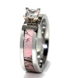 pink camo wedding rings 1000 ideas about camo engagement rings on camo wedding camo rings and camo wedding