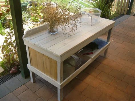 outdoor pallet cooking table  pallets